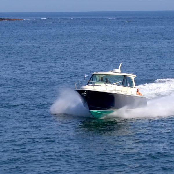 Hinckley Sport Boat 40x aerial shot